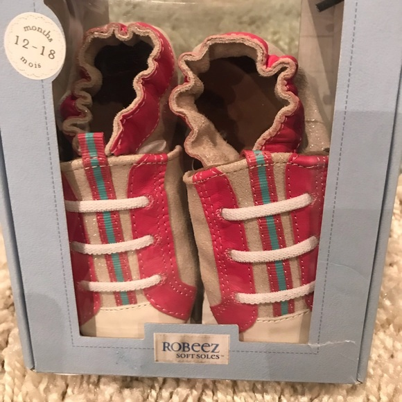 Robeez Other - Brand new baby shoes